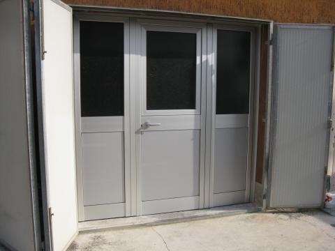 Infissi alluminio mc vetro arredo - Porta esterna in alluminio ...